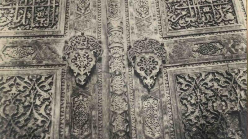 Қожа Ахмет Ясауи қабірханасы есігінің жоғалған тоқпақшалары