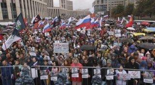 Мәскеуде 50 мыңға жуық адам митингіге қатысты - REUTERS/Maxim Shemetov