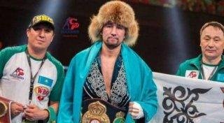 قازاقستاندىق بوكسشى WBA رەيتينگىندە ۇزدىك ۇشتىككە ەندى - © Suleimen Promotions