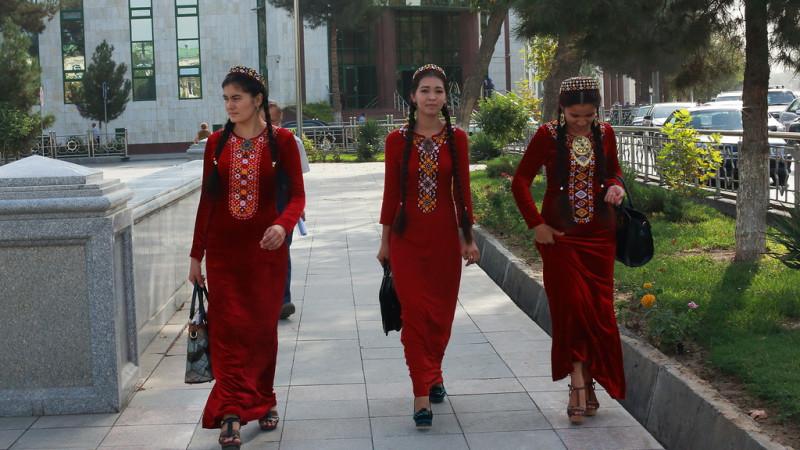 8 наурызда Түрікменстан әйелдеріне үш доллардан беріледі
