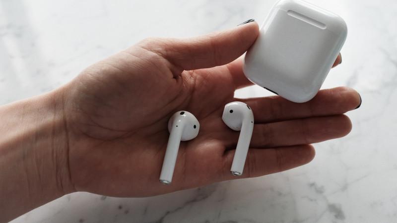 Apple құлаққап өндірісін қысқартады - БАҚ