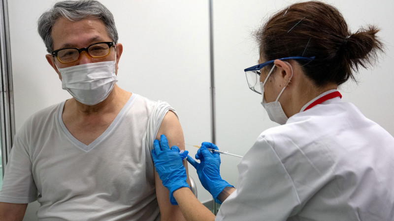 Жапонияда халықты денсаулығына қарамастан вакциналау басталады